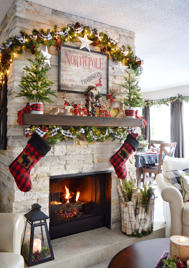 Christmas Mantel and Fireplace by Dining Delight featured at Pieced Pastimes