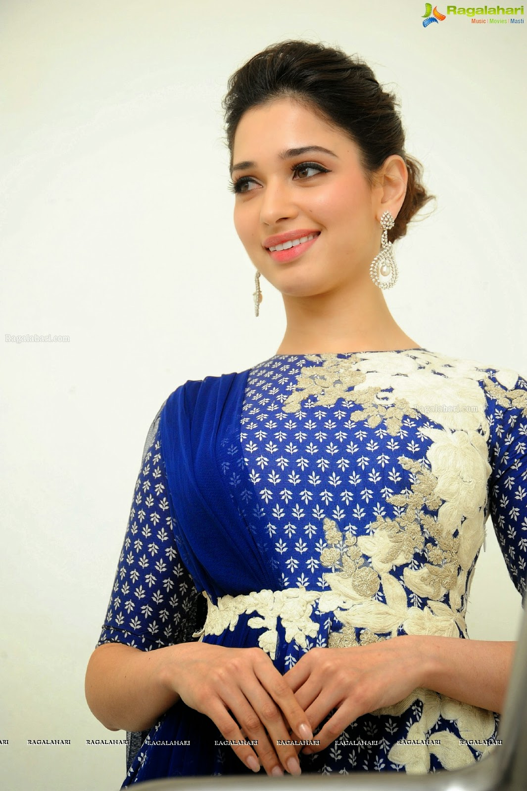 Tamanna Blue Saree: Indian Garam Masala: Actress Tamanna Cute Blue @ Alludu