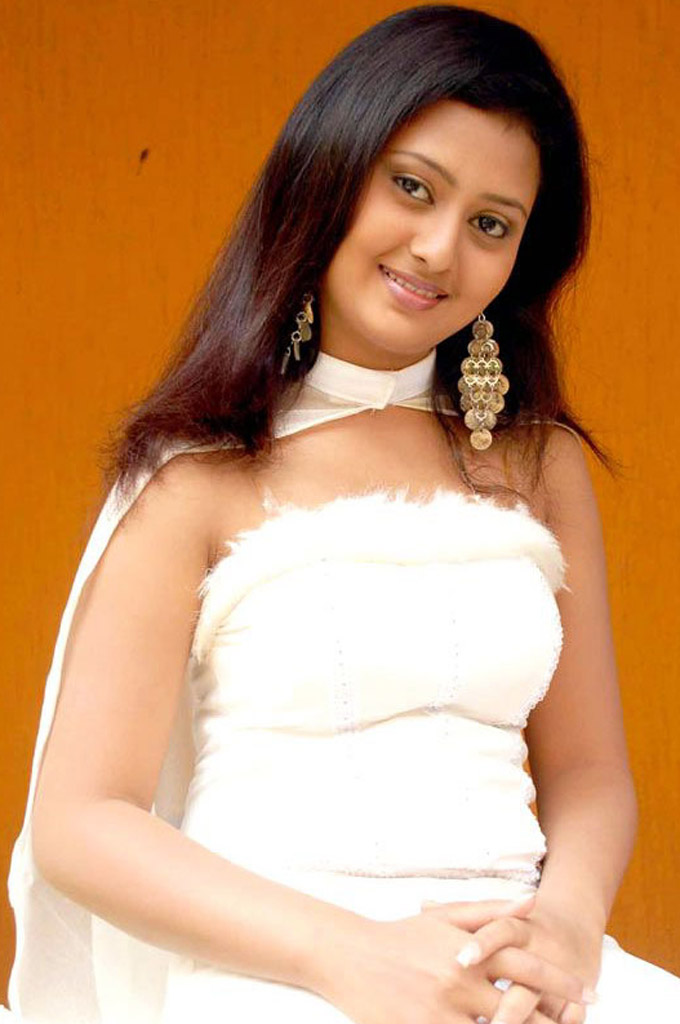Kannada Actress Amulya Hot Hd Photo Gallery - Cap-3640