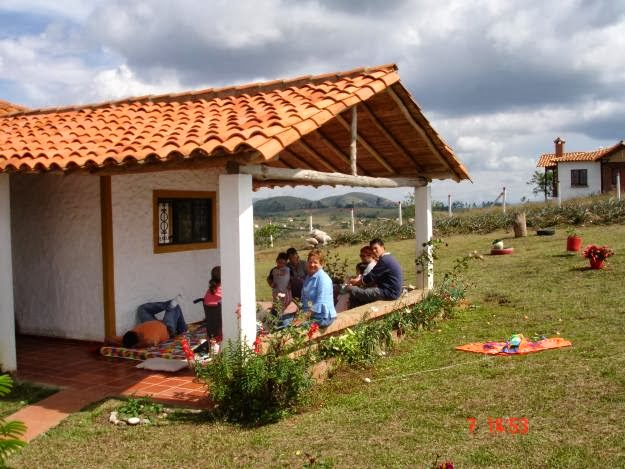 Decoracion actual de moda fachadas de casas de campo - Fotos de casa de campo ...