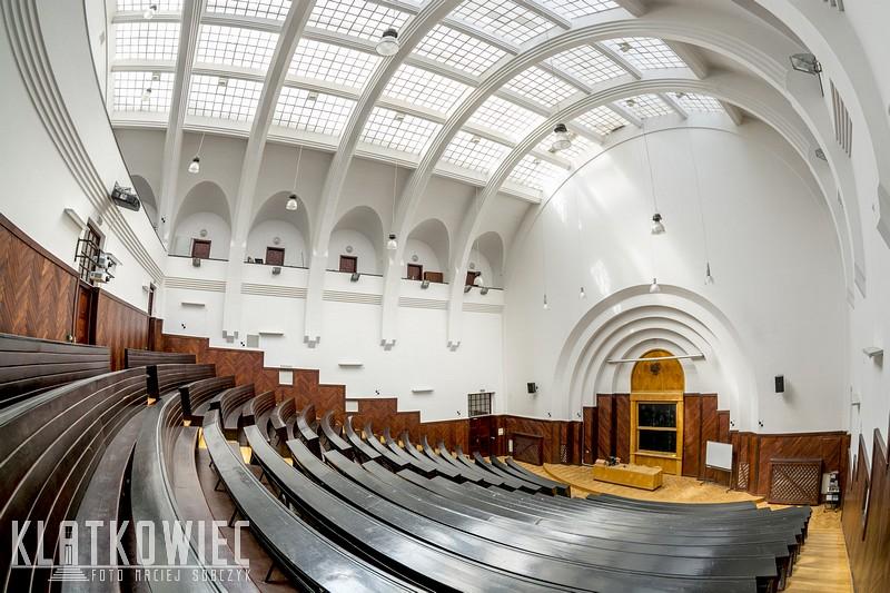 Warszawa. Modernizm. SGH. Sala wykładowa.