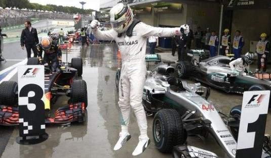 Lewis-Hamilton-Brasil16