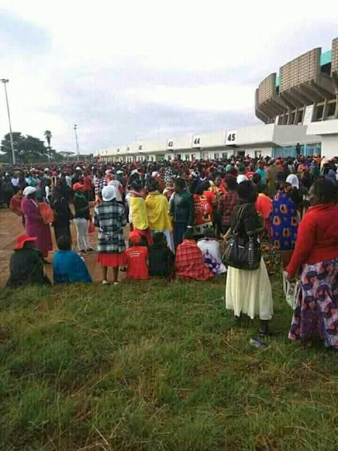Supporters stranded outside Kasarani stadium. PHOTO | FILE