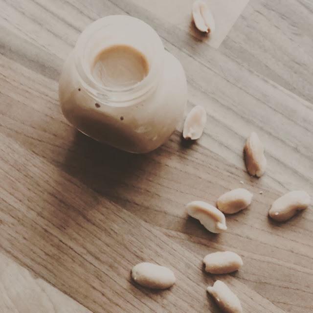thermomix, Nussmus, erdnussbutters, Erdnussmus, peanut butter, nussbutter, rezept, thermomix, tm6