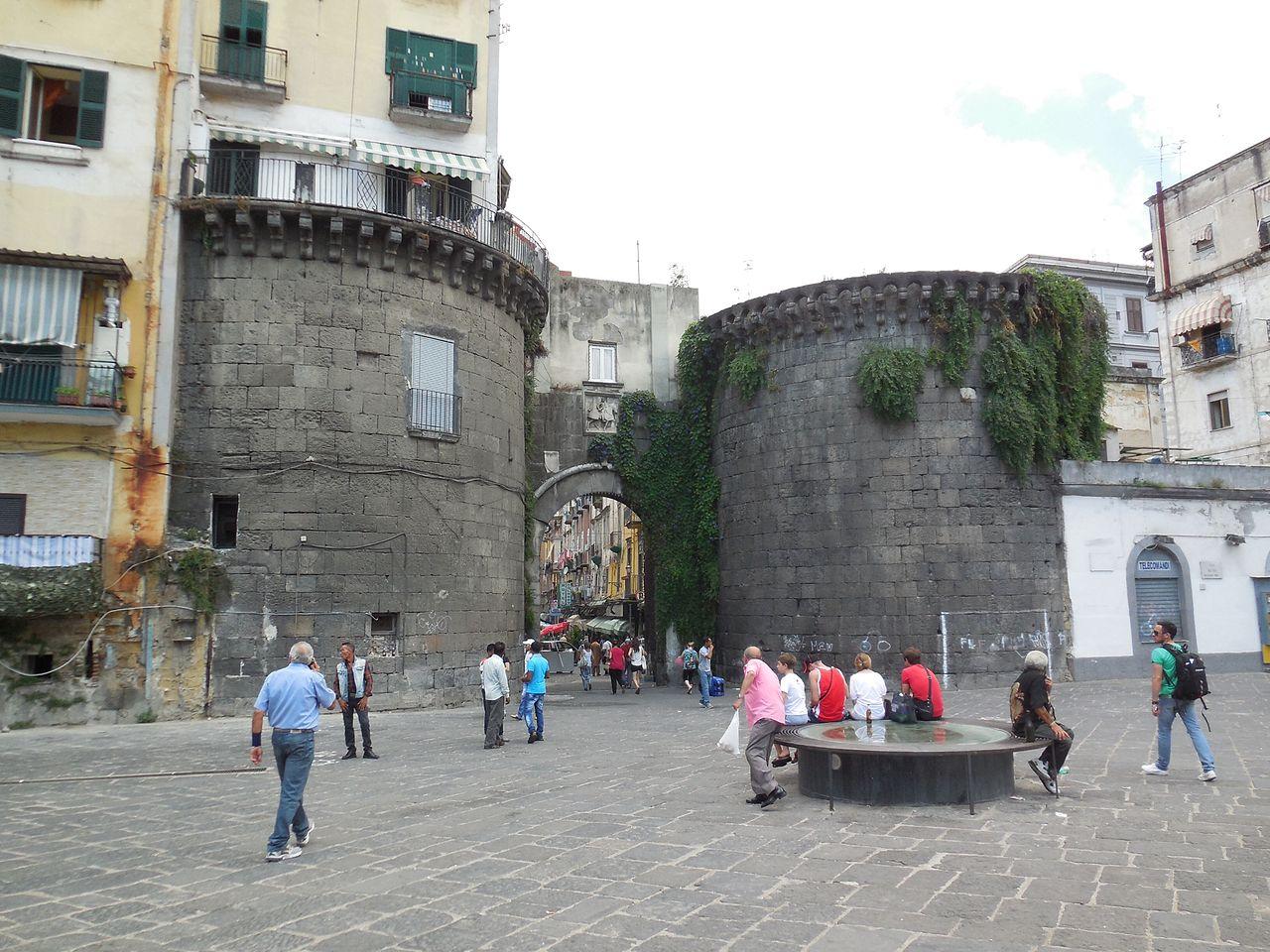 Immagine napoli le mura e le porte di napoli - Mercato di porta nolana ...