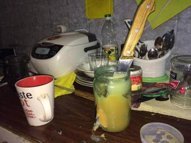 20 Pictures Of People Who Were Truly Unlucky - Someone just murdered the glass jar.