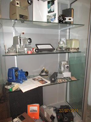 Aperçu de l'exposition, section « projecteurs » (collection musée)
