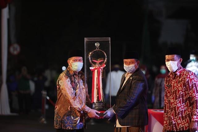 Raih Nilai 78 Dengan 22 Medali Kota Bandung Juara MTQ ke XXXVI Tingkat Jabar 2020
