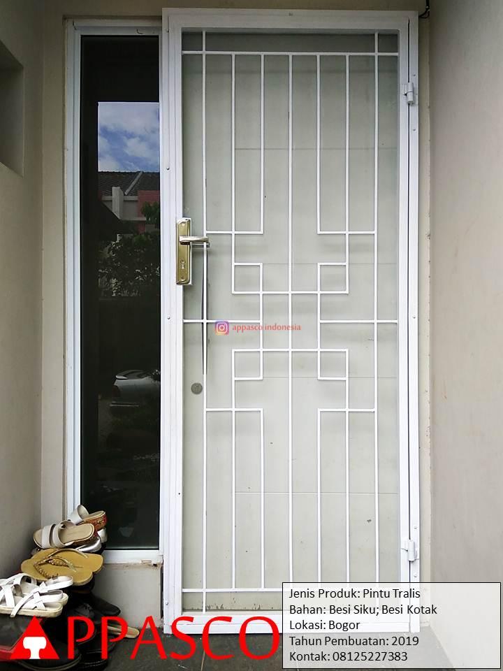 Pintu Besi Teralis Untuk Pintu Belakang Rumah di Bogor