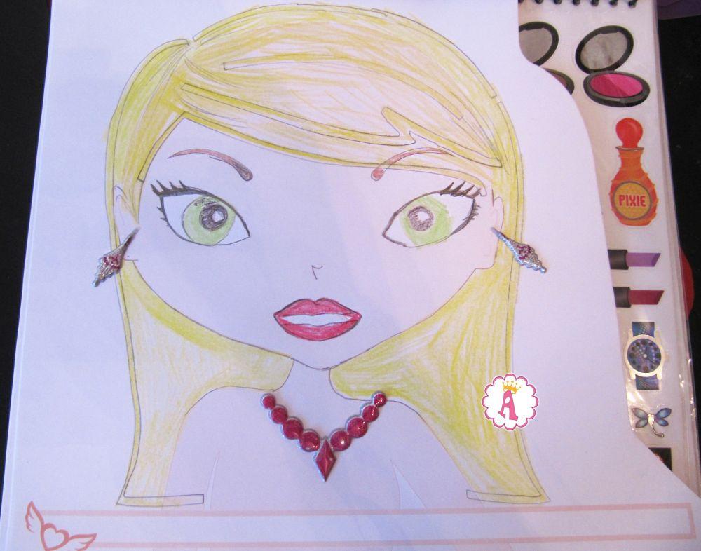 Набор для создания макияжа с помощью рисунков Fashion Angels Sketch Portfolio