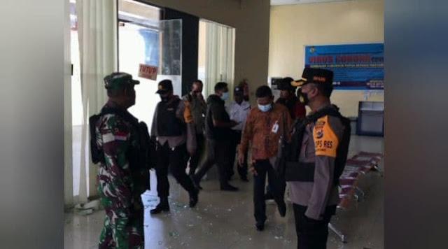 Kaca Kantor dan ATM Pecah, Polisi Selidiki Perusakan Kantor Bank Papua di Yahukimo