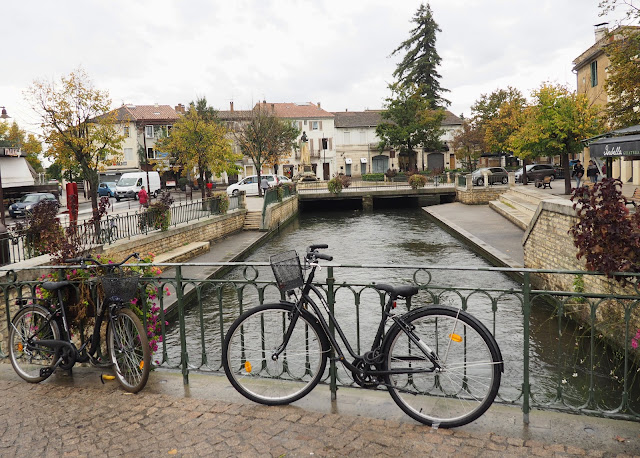 Франция, город Иль-сюр-ла-Сорг (France, the city of Ile-sur-la-Sorgue)