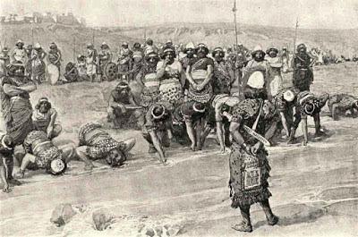7:1 a seguir; Então Jerubaal, que é Gideão, se levantou de madrugada ... e se acamparam junto à fonte de Harode. A fonte de Harode pode ser 'Ain Jalud, localizada ao pé do Monte Gilboa. Os israelitas sob as ordens de Gideão acamparam-se ali, e os midianitas se colocaram no outro lado do vale junto ao outeiro de Moré, a uma distância de quatro milhas.  É demais o povo que está contigo.   Um grande exército daria lugar a uma certa medida de auto-confiança. Deus queria ensinar ao Seu  povo a necessidade de confiar nEle no pouco.  Quem for tímido e medroso, volte.