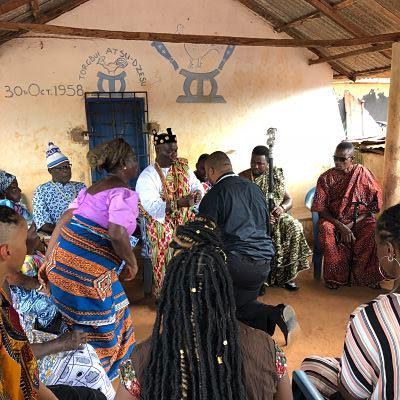 Emotivo ritual haciendo hijos de Dxodze a los participantes del IBMF con raíces africanas