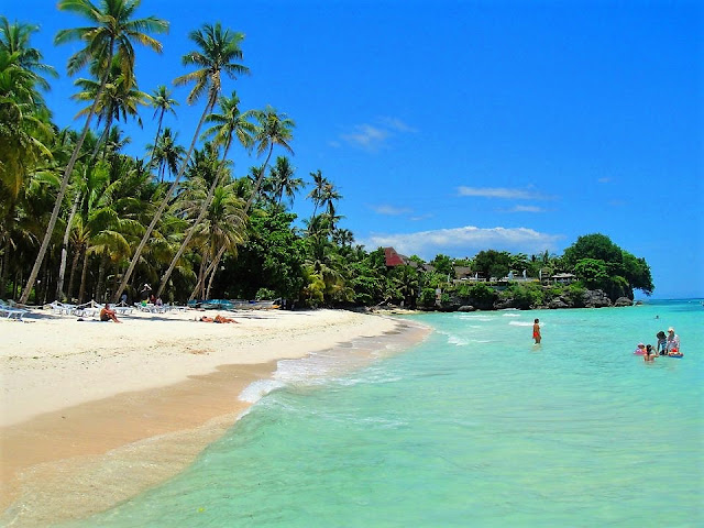 alona beach bohol philippines