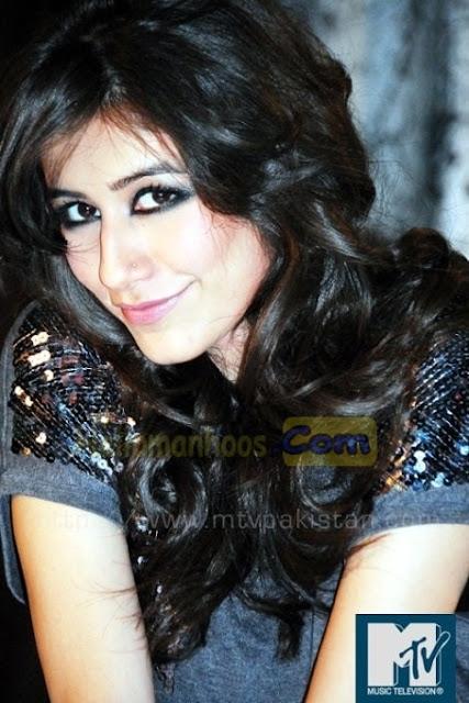 Syra Shehroz Wiki, Age, Family, Husband, Boyfriend, Wedding, Biography