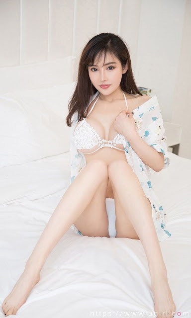 Hot and sexy big boobs photos of beautiful busty asian hottie chick Chinese booty model Ye Zi photo highlights on Pinays Finest sexy nude photo collection site.