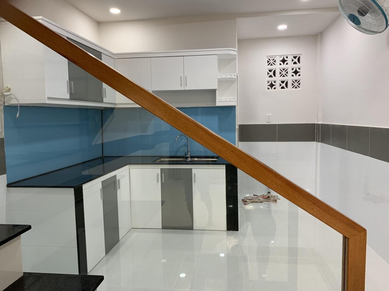 Bán nhà hẻm 118 Huỳnh Thiện Lộc phường Phú Trung quận Tân Phú. DT 3,5x11m