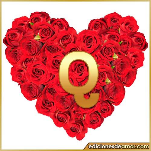 corazón de rosas con letra Q