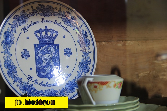 Piring Dari Kedutaan Besar Belanda - Blog Mas Hendra