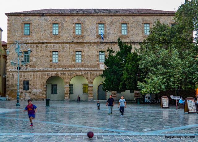 Plateia Syntagma e Museu Arqueológico de Naplio, Grécia