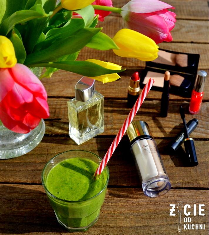 chlorofil, jarmuz, zielone smoothie, zielony koktajl, zycie od kuchni