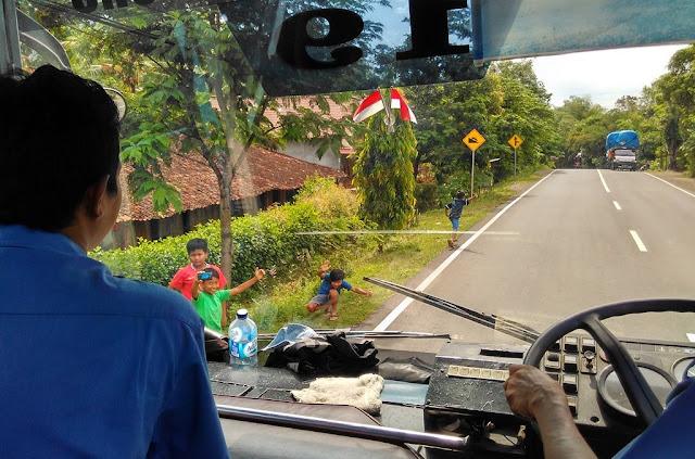 """Menteri Perhubungan Imbau Sopir Bus Tak Mainkan Klakson """"Telolet"""""""