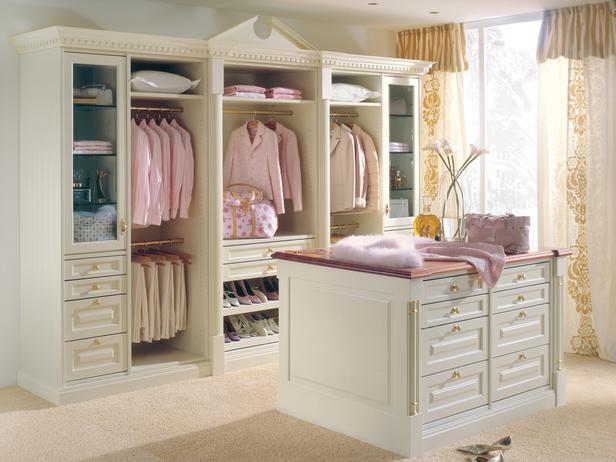 Life as it is closets galore - Pictures of walk in closets ...