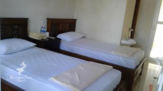 the kelapa karimunjawa hotel bed