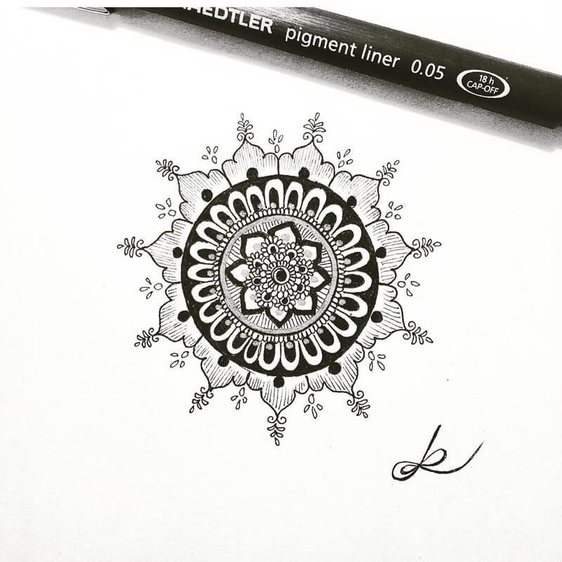 12-Eszter-Luca-Stippling-Ink-Mandala-Designs-www-designstack-co