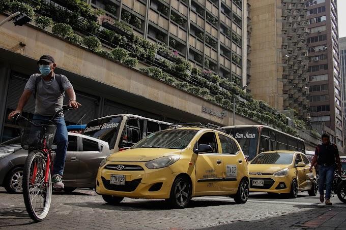 Flujo vehicular de Medellín continúa 14% por debajo de los niveles registrados en prepandemia, según Secretaría de Movilidad
