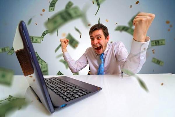 Сколько денег можно зарабатывать в интернете не выходя из дома в 2021 году?