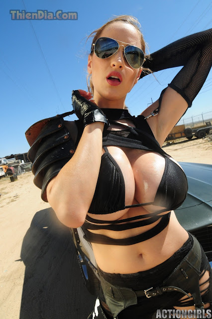 Hot girls Jordan Carver sexy topic Girl and Gun 5