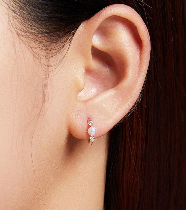 珠光璀璨 925純銀貝珠耳環