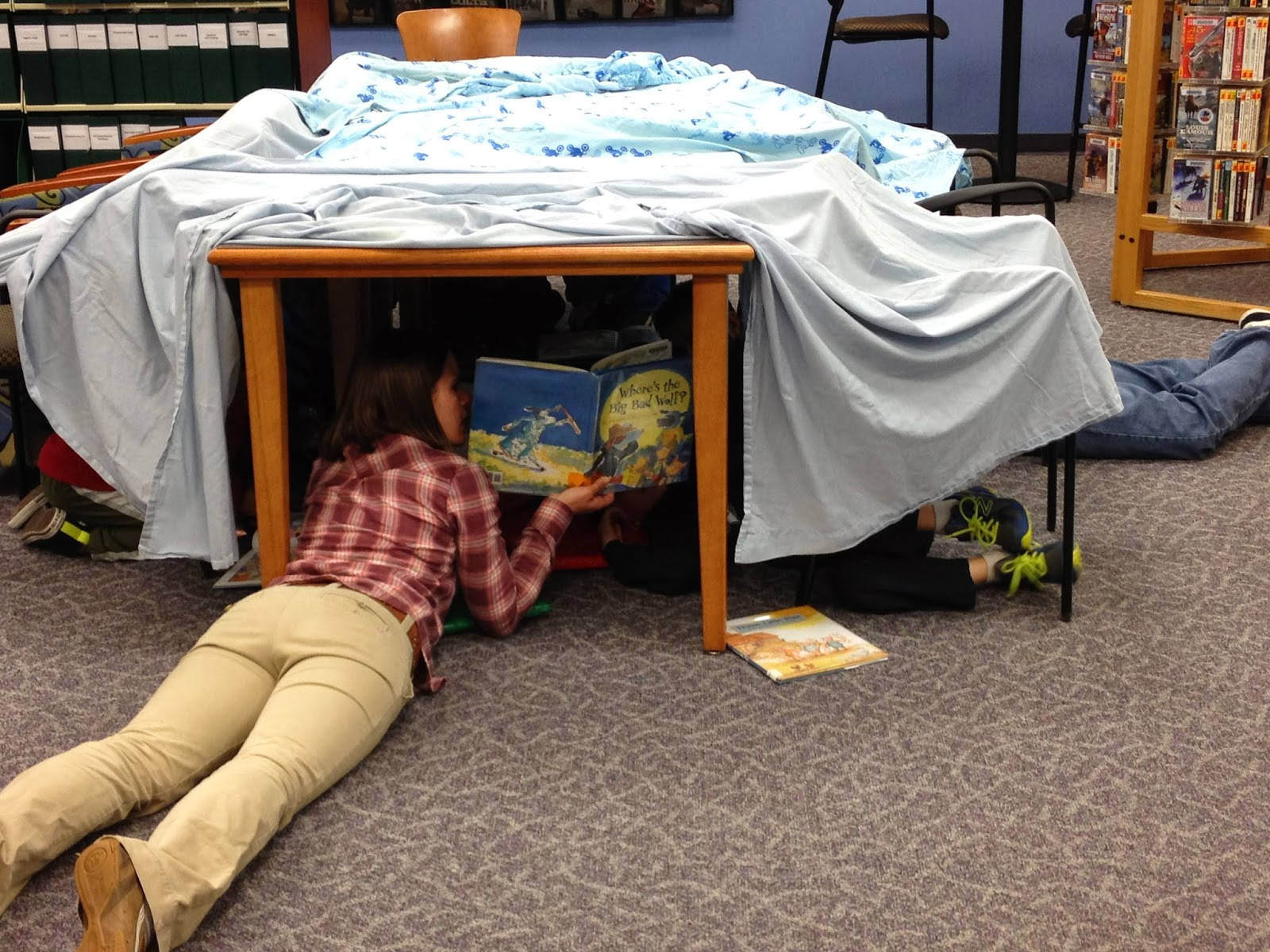 how to make a living room fort the show me librarian family forts after hours 27377