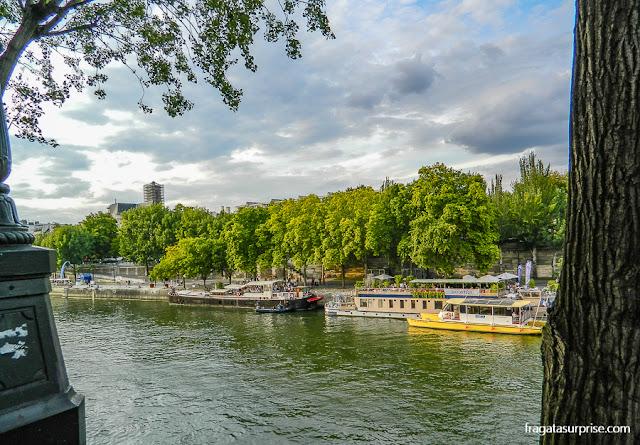 Passeio às margens do Rio Sena, Paris