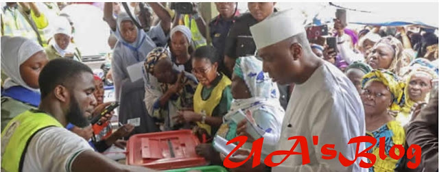 Saraki's defeat: PDP agent refuses to sign election results sheets.