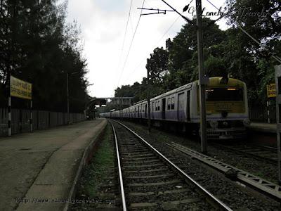 train near princep ghat