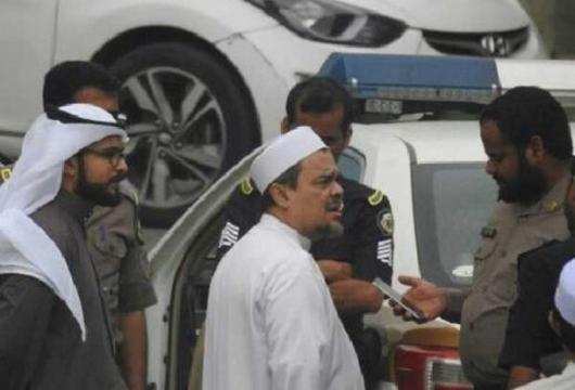 Kemlu: Rizieq Diperiksa di Saudi Terkait Bendera Mirip ISIS