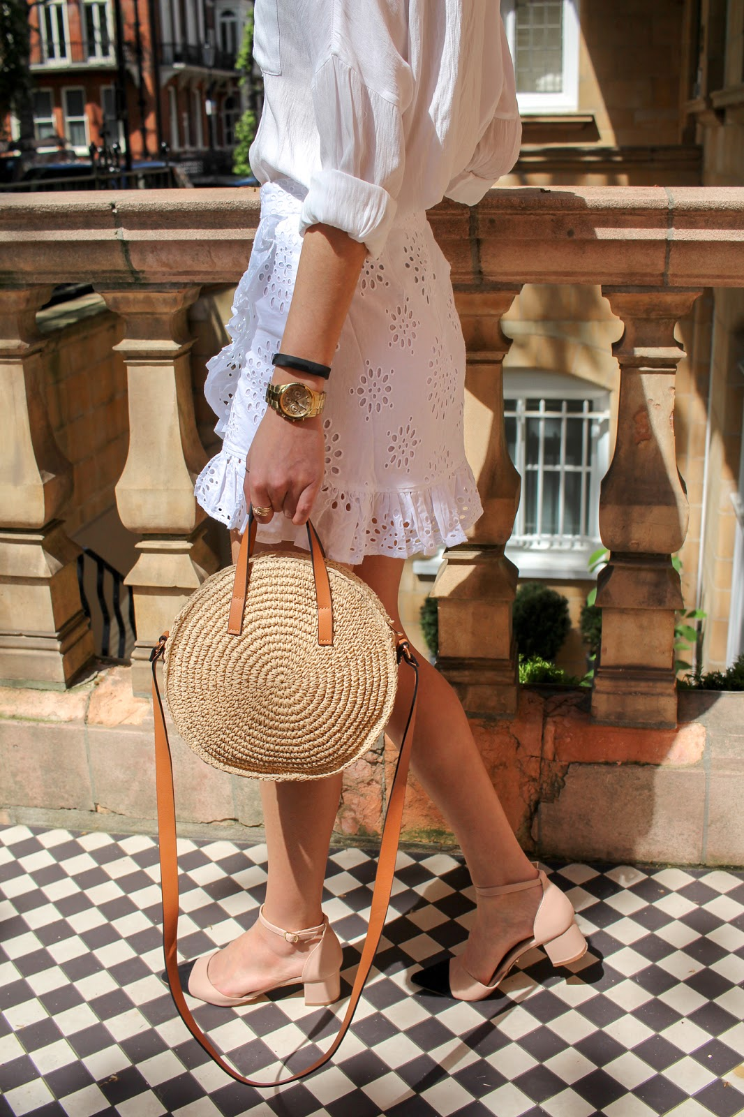 styling all white outfits peexo summer fashion