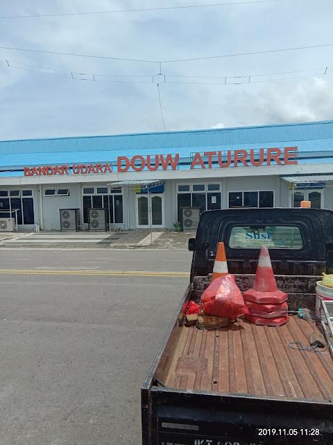 Naik Pesawat Kecil Menuju Puncak Jaya Papua
