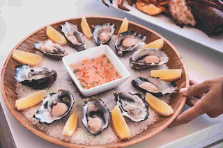 Classical Hors-d-oeuvre/Oyster