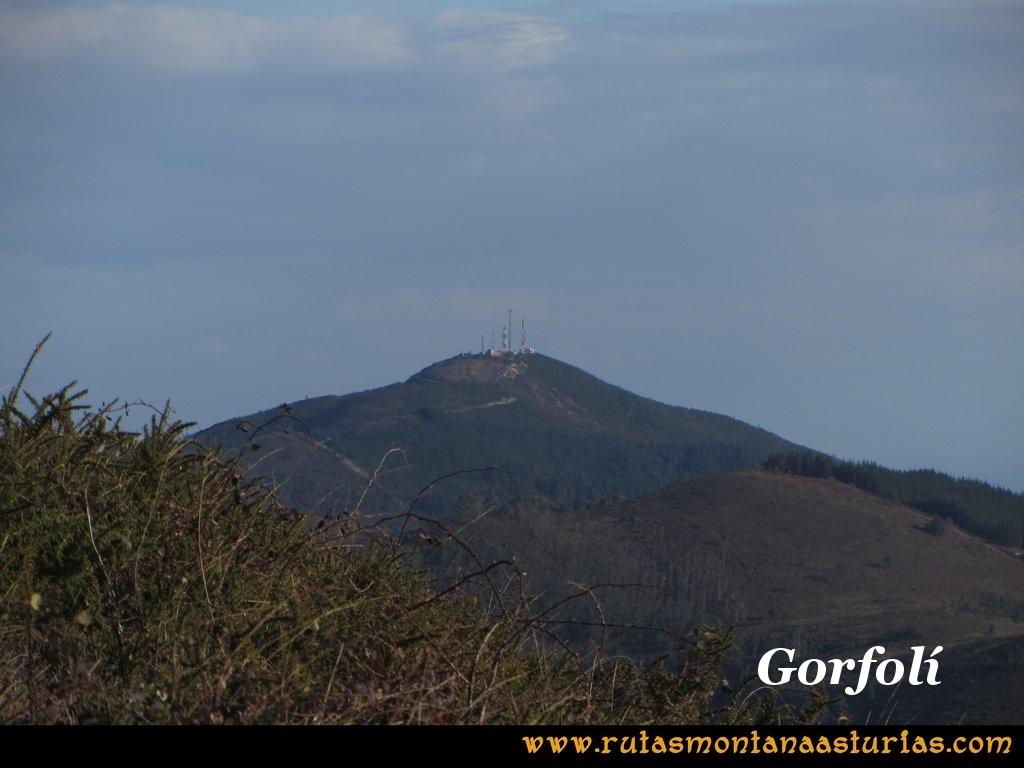 Ruta Sierra Bufarán, picos Degollada o Grande y Cotera: Vista del Gorfolí