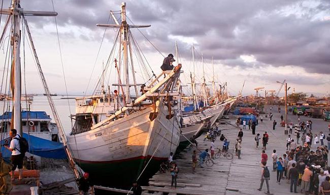 Wisata Ke Pelabuhan Paotere Melihat Kapal Phinisi