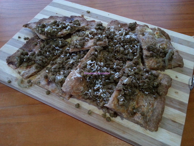 Pizza con lenticchie e pecorino - Lentils and pecorino pizza
