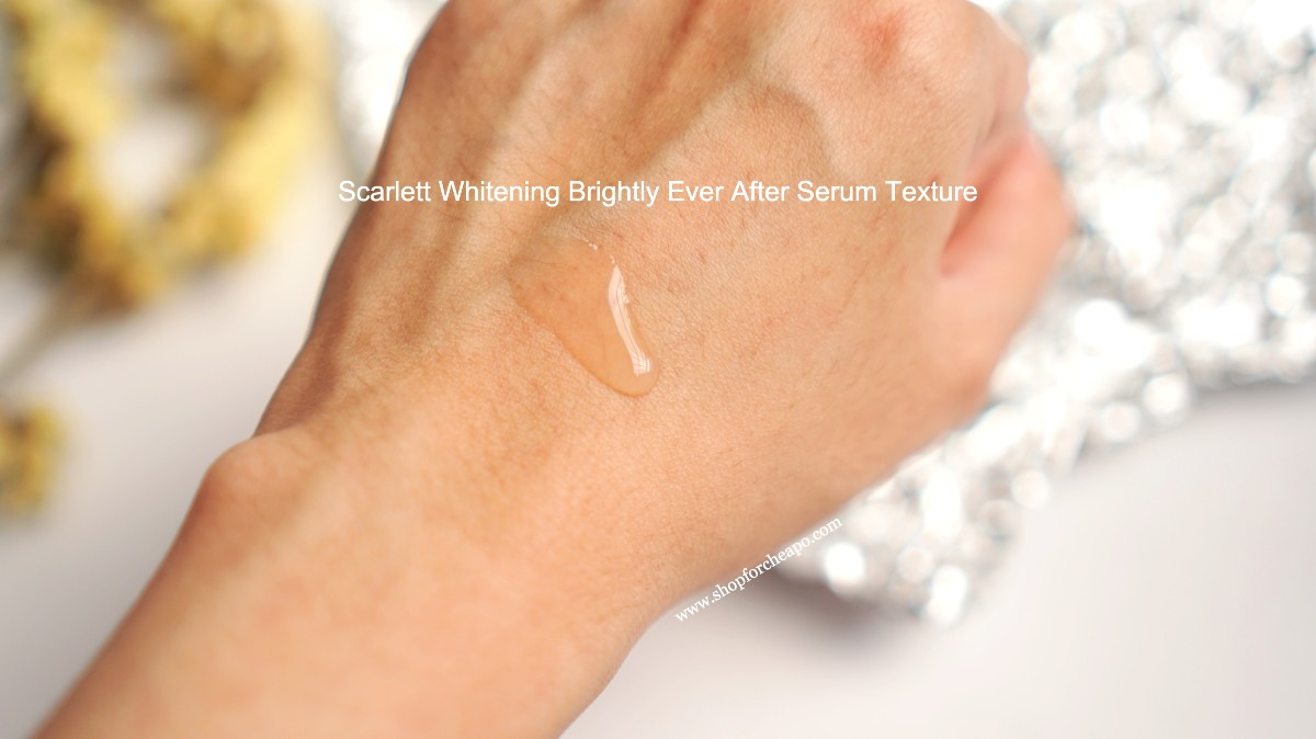 tekstur brightly ever after serum di tangan