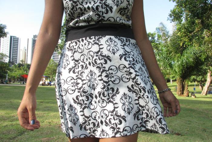 Vestido decotado com estampa de arabesco, natália sena, blogueira de salvador