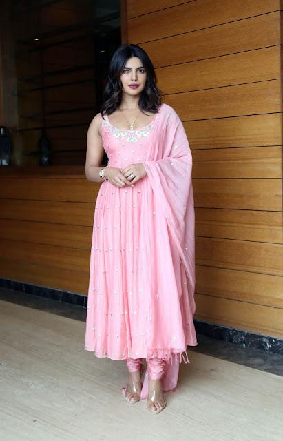 Sexy Priyanka Chopra Latest Photos in Pink Dress Navel Queens