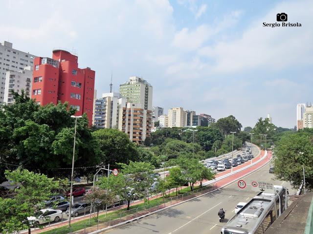 Vista de trecho da Avenida Paulo VI - Sumaré - São Paulo