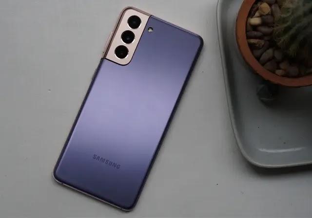 تؤكد Samsung أن الهواتف المستقبلية لن تأتي مع أجهزة الشحن